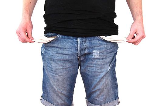 Tenere i soldi su conto corrente, una scelta saggia?